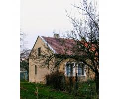 Sprzedam działkę z domem i budynkiem gospodarczym w Pajecznie